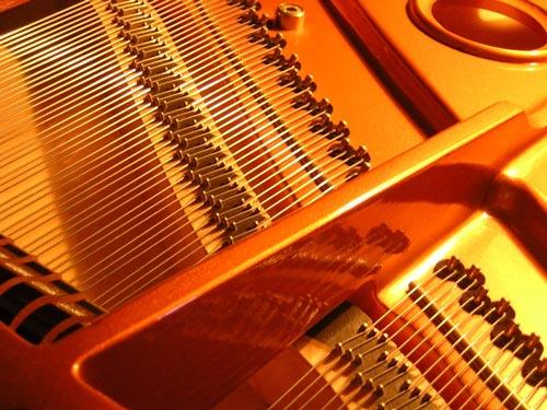 Castellón Pianos - Cambio de Cuerdas