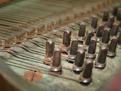 Castellón Pianos - Cambio de clavijas antes y después