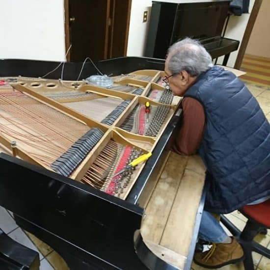 Don Carlos Castellón reconstrucción de Piano Steinway